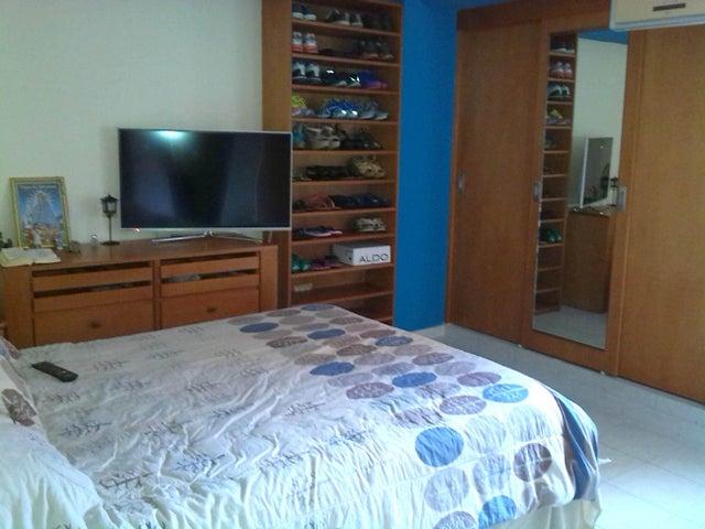 Apartamento En Venta En Caracas - Prado Humboldt Código FLEX: 15-11299 No.2