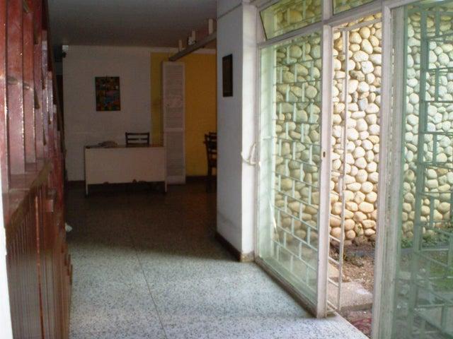 Casa En Venta En Caracas - Chuao Código FLEX: 15-13594 No.2