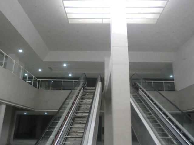 Apartamento En Venta En Caracas - Parroquia La Candelaria Código FLEX: 16-351 No.2