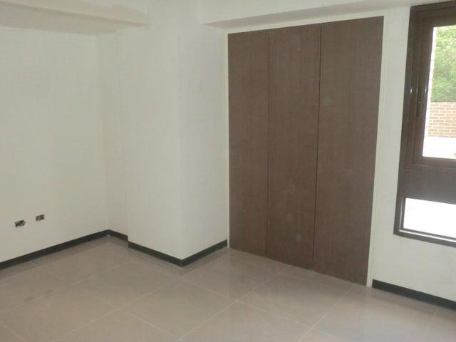 Apartamento En Venta En Caracas - Parroquia La Candelaria Código FLEX: 16-351 No.4