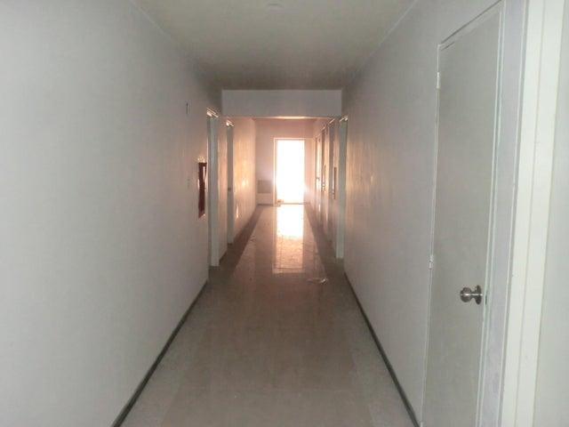 Apartamento En Venta En Caracas - Parroquia La Candelaria Código FLEX: 16-351 No.14