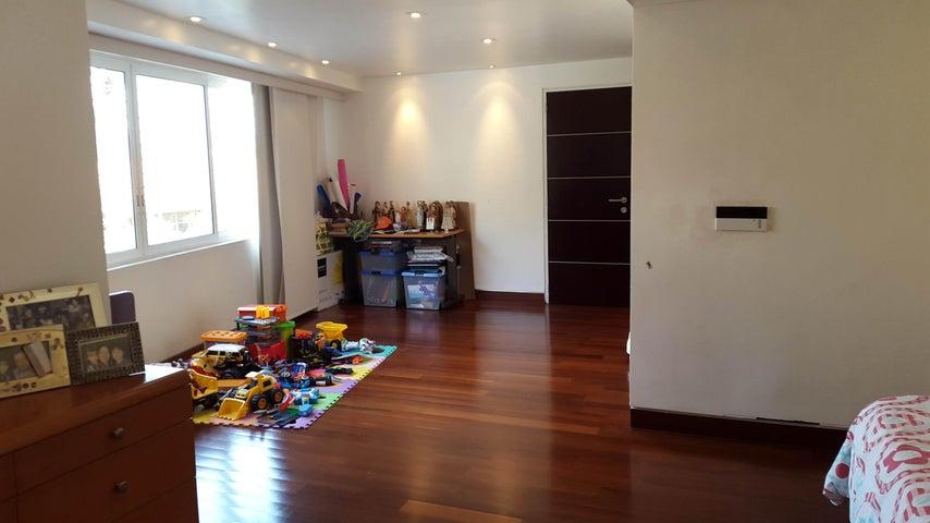 Apartamento En Venta En Caracas - Las Mercedes Código FLEX: 16-1748 No.6