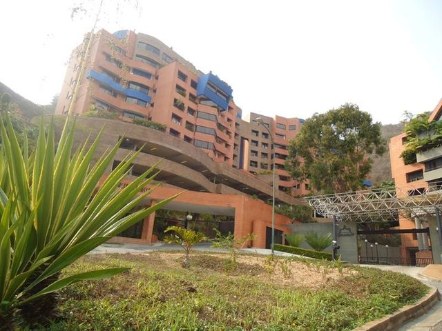 Apartamento En Venta En Caracas - Lomas de La Alameda Código FLEX: 16-4968 No.0
