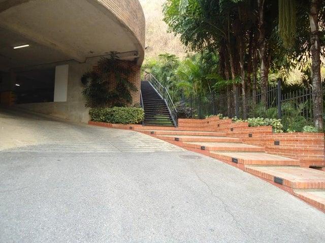 Apartamento En Venta En Caracas - Lomas de La Alameda Código FLEX: 16-4968 No.1