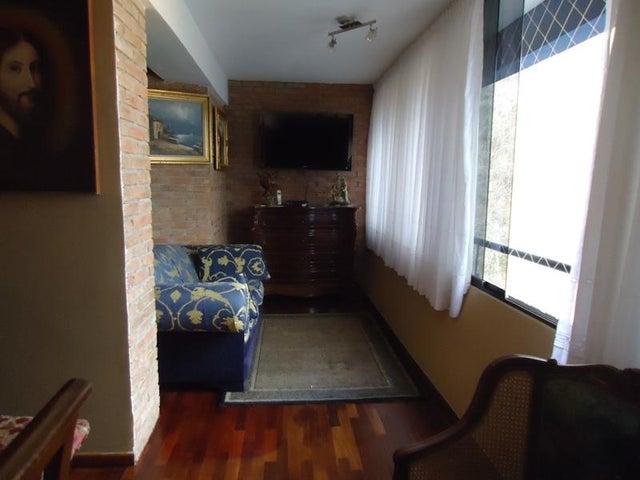 Apartamento En Venta En Caracas - Lomas de La Alameda Código FLEX: 16-4968 No.6