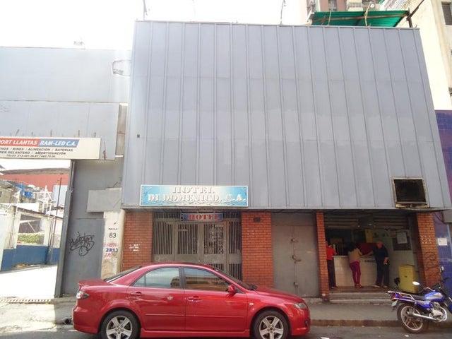 Local Comercial En Venta En Caracas - San Martin Código FLEX: 16-7384 No.0