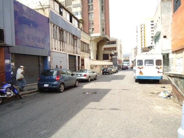 Local Comercial En Venta En Caracas - San Martin Código FLEX: 16-7384 No.2