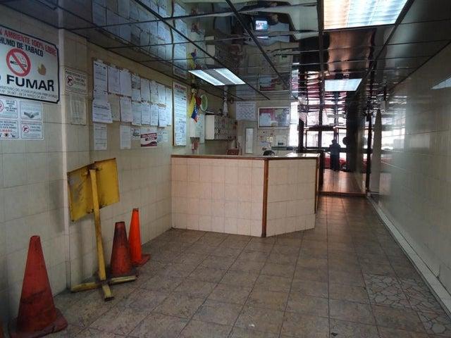 Local Comercial En Venta En Caracas - San Martin Código FLEX: 16-7384 No.5