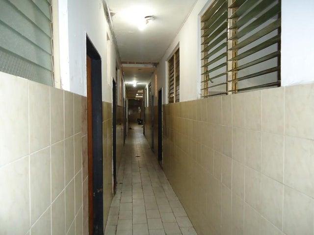 Local Comercial En Venta En Caracas - San Martin Código FLEX: 16-7384 No.11