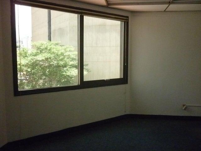 Oficina En Alquiler En Caracas - El Rosal Código FLEX: 16-7565 No.9