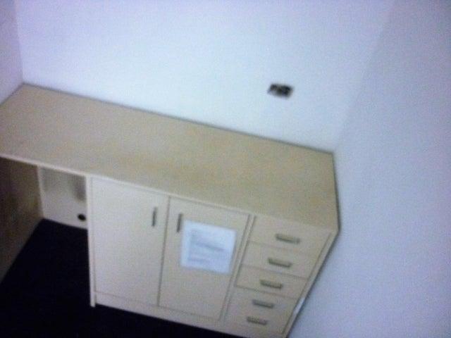 Oficina En Alquiler En Caracas - El Rosal Código FLEX: 16-7565 No.11
