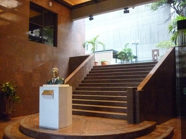 Oficina En Alquiler En Caracas - El Rosal Código FLEX: 16-7567 No.2