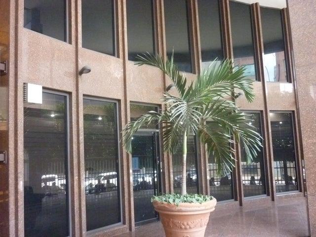Oficina En Alquiler En Caracas - El Rosal Código FLEX: 16-7567 No.6