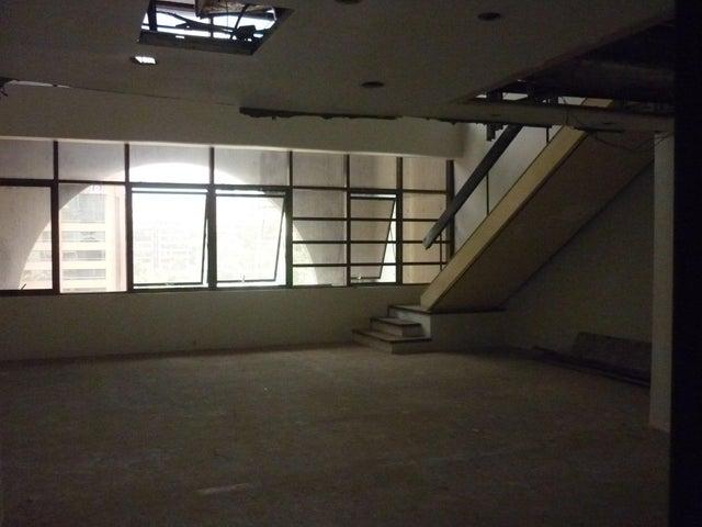 Oficina En Alquiler En Caracas - El Rosal Código FLEX: 16-7567 No.15