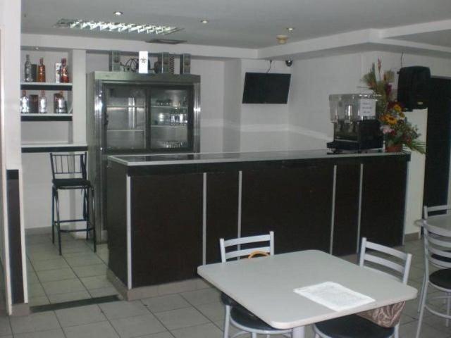 En Venta En Caracas - Los Chaguaramos Código FLEX: 16-9890 No.9
