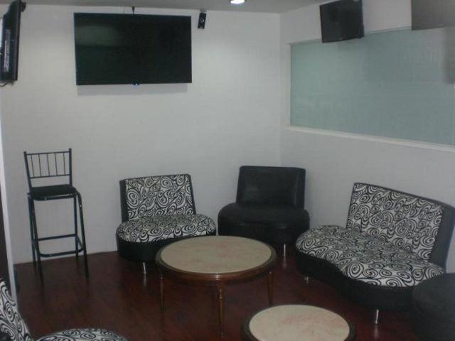 En Venta En Caracas - Los Chaguaramos Código FLEX: 16-9890 No.10