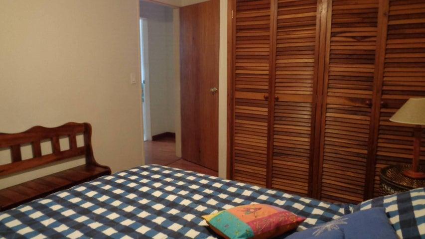 En Venta En Caracas - El Marques Código FLEX: 16-11177 No.7