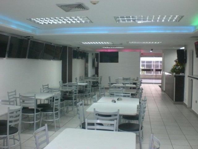 En Venta En Caracas - Los Chaguaramos Código FLEX: 16-9890 No.17