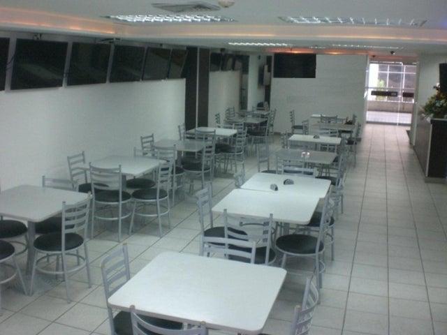 En Venta En Caracas - Los Chaguaramos Código FLEX: 16-9890 No.2