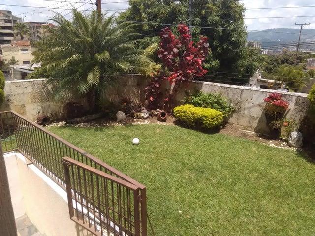 Casa En Venta En Caracas - Los Palos Grandes Código FLEX: 16-12087 No.3
