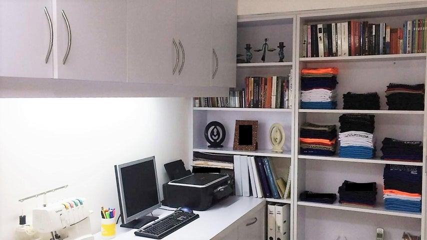 Apartamento En Venta En Caracas - Los Samanes Código FLEX: 17-640 No.2