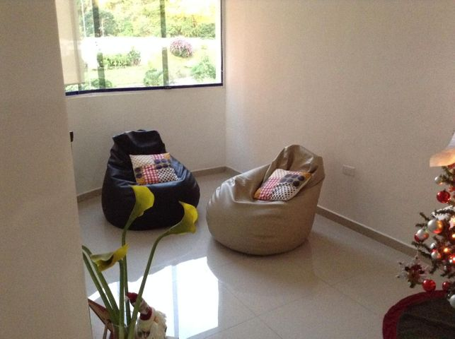 Apartamento En Venta En Valencia En La Trigaleña - Código: 17-1061