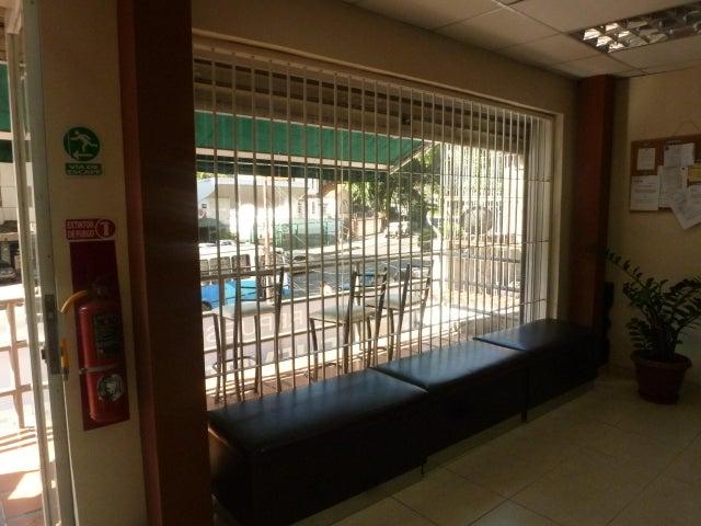 Negocio o Empresa En Venta En Caracas - El Paraiso Código FLEX: 17-1370 No.17