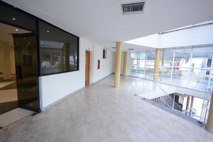 Terreno En Venta En Maracay - Las Delicias Código FLEX: 17-6708 No.11