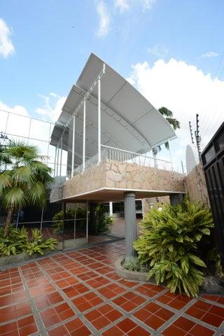 Terreno En Venta En Maracay - Las Delicias Código FLEX: 17-6708 No.3