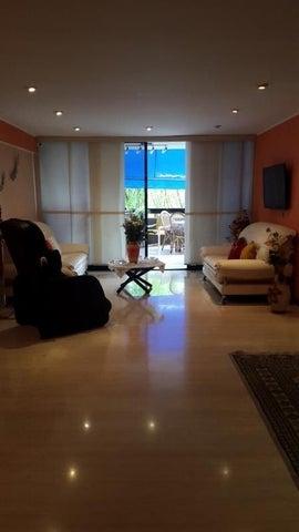 Apartamento En Venta En Caracas - Miranda Código FLEX: 17-7373 No.2