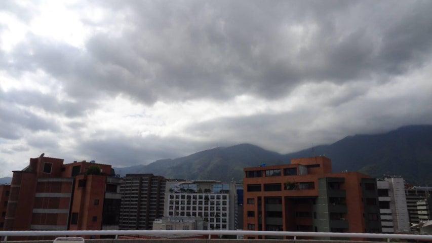 Apartamento En Venta En Caracas - El Rosal Código FLEX: 17-7746 No.1
