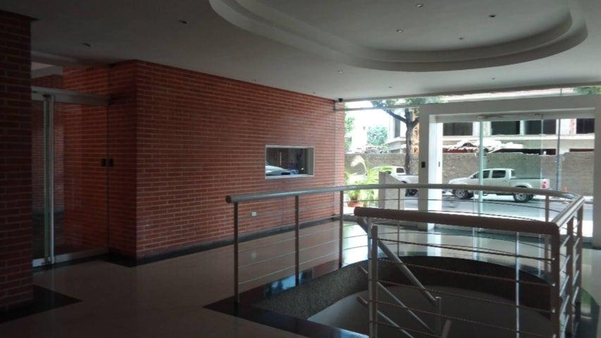 Apartamento En Venta En Caracas - El Rosal Código FLEX: 17-7746 No.13
