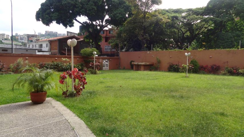 Apartamento En Venta En Caracas - El Rosal Código FLEX: 17-7746 No.16