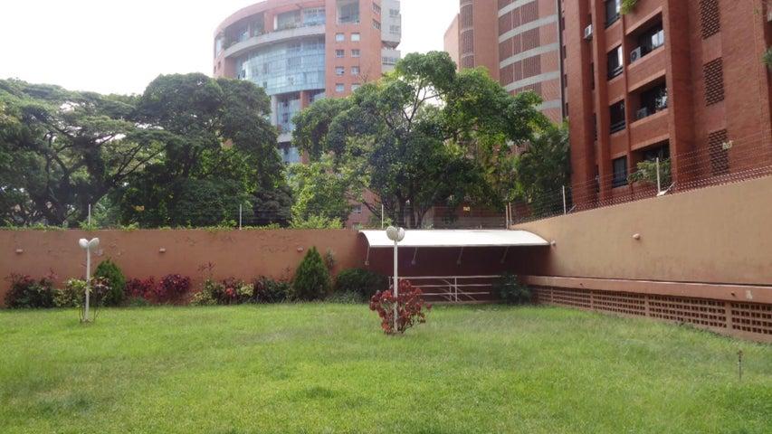 Apartamento En Venta En Caracas - El Rosal Código FLEX: 17-7746 No.17