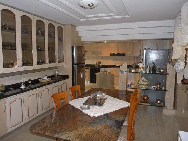 Casa En Venta En Caracas - Los Naranjos del Cafetal Código FLEX: 17-10078 No.2