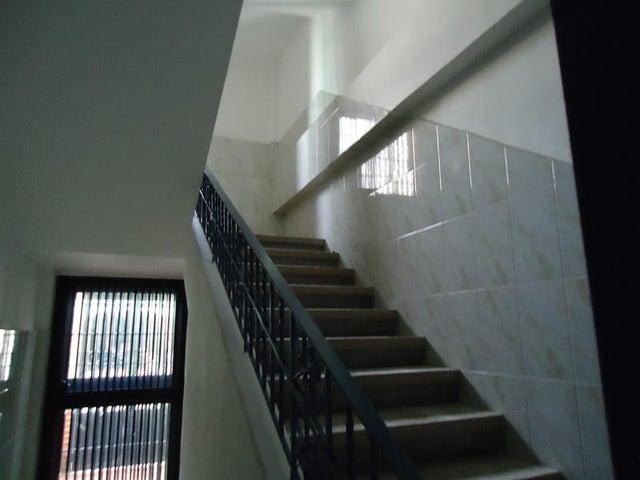 Edificio En Venta En Caracas - Cementerio Código FLEX: 17-10798 No.16