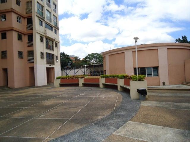 Apartamento En Venta En Caracas - Colinas de Bello Monte Código FLEX: 17-10810 No.5