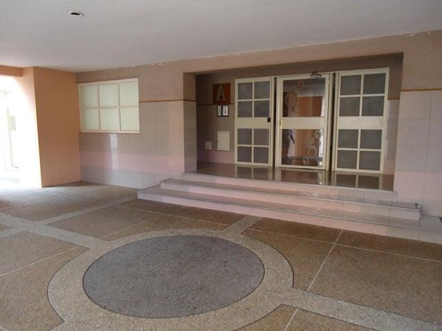 Apartamento En Venta En Caracas - Colinas de Bello Monte Código FLEX: 17-10810 No.8