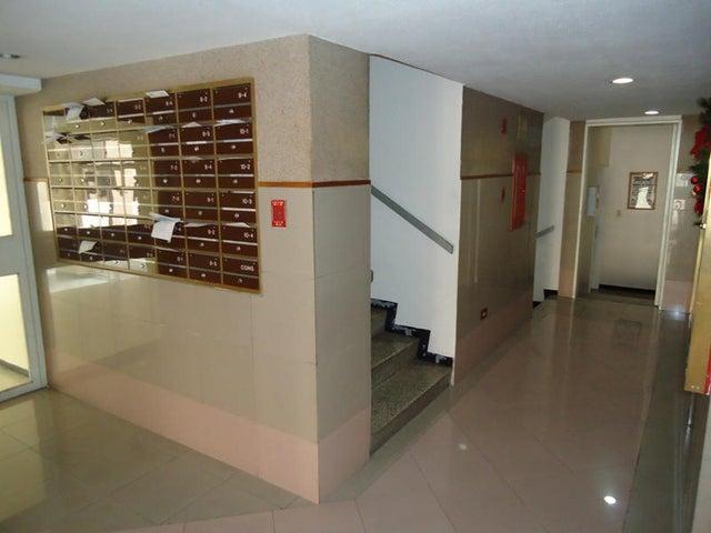 Apartamento En Venta En Caracas - Colinas de Bello Monte Código FLEX: 17-10810 No.10