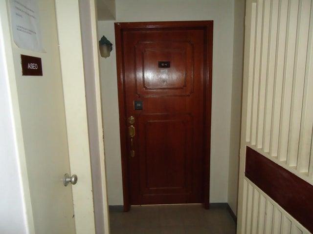 Apartamento En Venta En Caracas - Colinas de Bello Monte Código FLEX: 17-10810 No.12