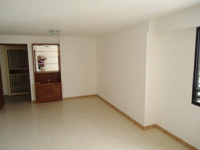 Apartamento En Venta En Caracas - Colinas de Bello Monte Código FLEX: 17-10810 No.17