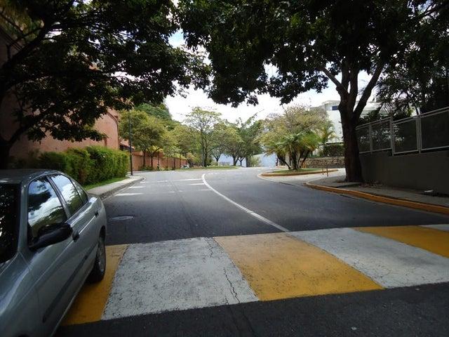 Apartamento En Venta En Caracas - Colinas de Valle Arriba Código FLEX: 17-10818 No.4