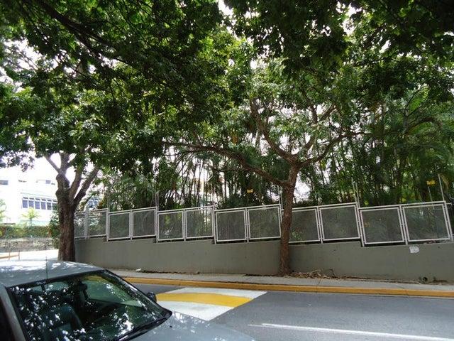 Apartamento En Venta En Caracas - Colinas de Valle Arriba Código FLEX: 17-10818 No.5