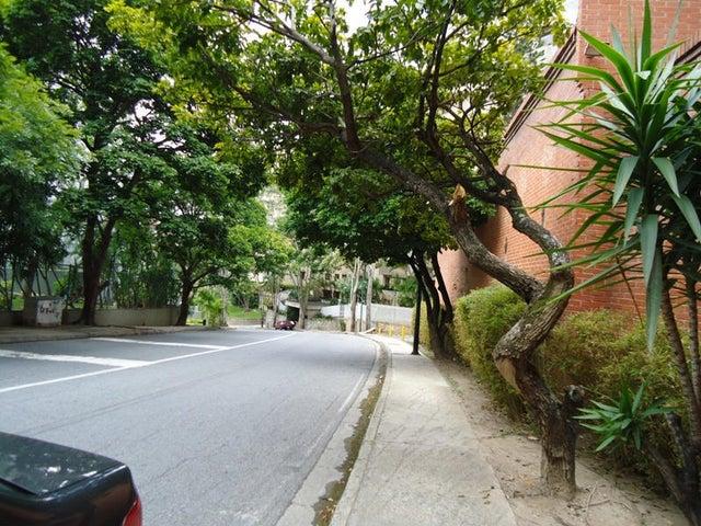 Apartamento En Venta En Caracas - Colinas de Valle Arriba Código FLEX: 17-10818 No.6