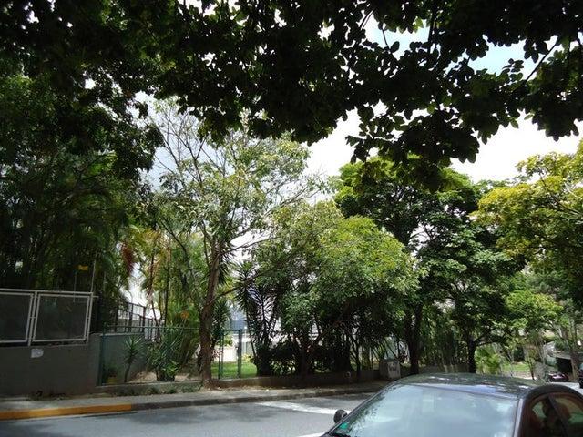 Apartamento En Venta En Caracas - Colinas de Valle Arriba Código FLEX: 17-10818 No.7