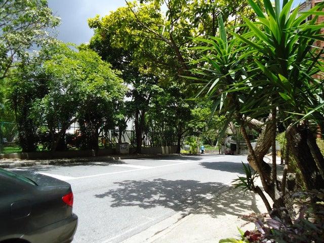 Apartamento En Venta En Caracas - Colinas de Valle Arriba Código FLEX: 17-10818 No.8