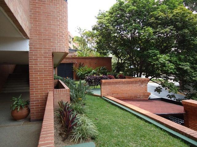 Apartamento En Venta En Caracas - Colinas de Valle Arriba Código FLEX: 17-10818 No.12
