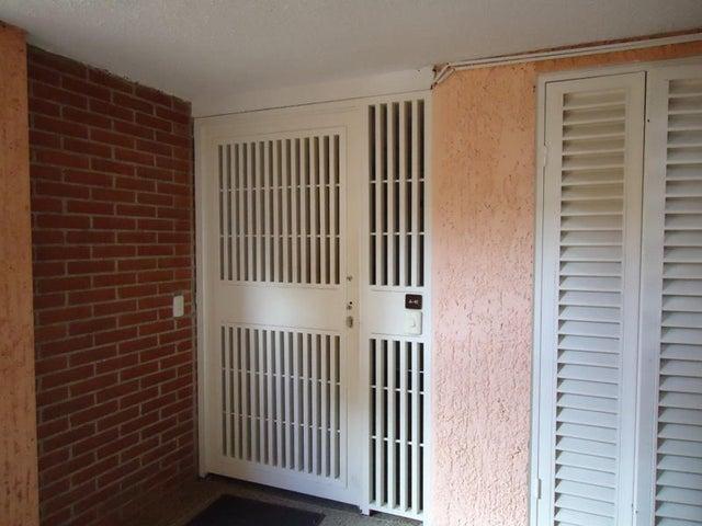 Apartamento En Venta En Caracas - Colinas de Valle Arriba Código FLEX: 17-10818 No.17