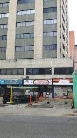 Local Comercial En Venta En Caracas - Las Delicias de Sabana Grande Código FLEX: 17-10842 No.0