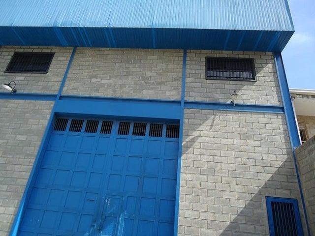 Galpon - Deposito En Venta En Caracas - Los Rosales Código FLEX: 17-10860 No.0